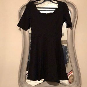Dresses & Skirts - Black short sleeved dress with scalloped neck